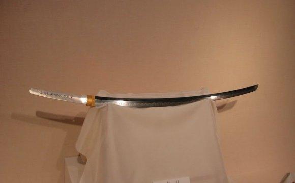 Тати - меч по длине равный