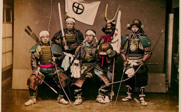 Самураи в доспехах, 1890 г.: